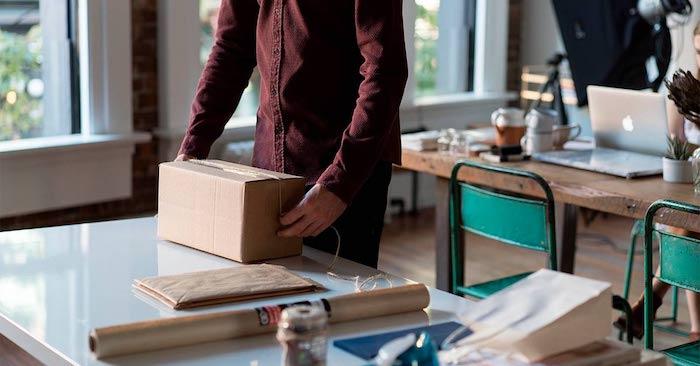 por que regalar merchandising personalizado ideas de regalos para los empleados originales regalos oficina