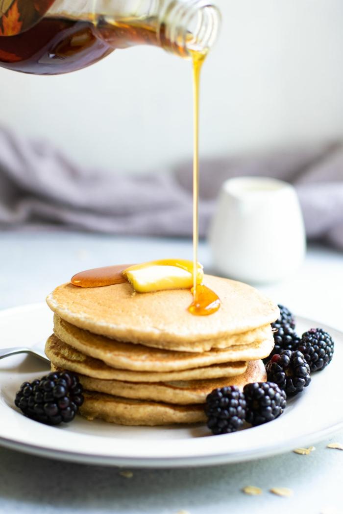 tortitas de platano y avena, desayuno sanos y equilibrados, ideas de desayunos nutritivos y fáciles de hacer, como hacer tortitas caseras