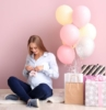 0 regalos para mamas primerizas originales mujer embarazada globos en colores pastel fotos de regalos