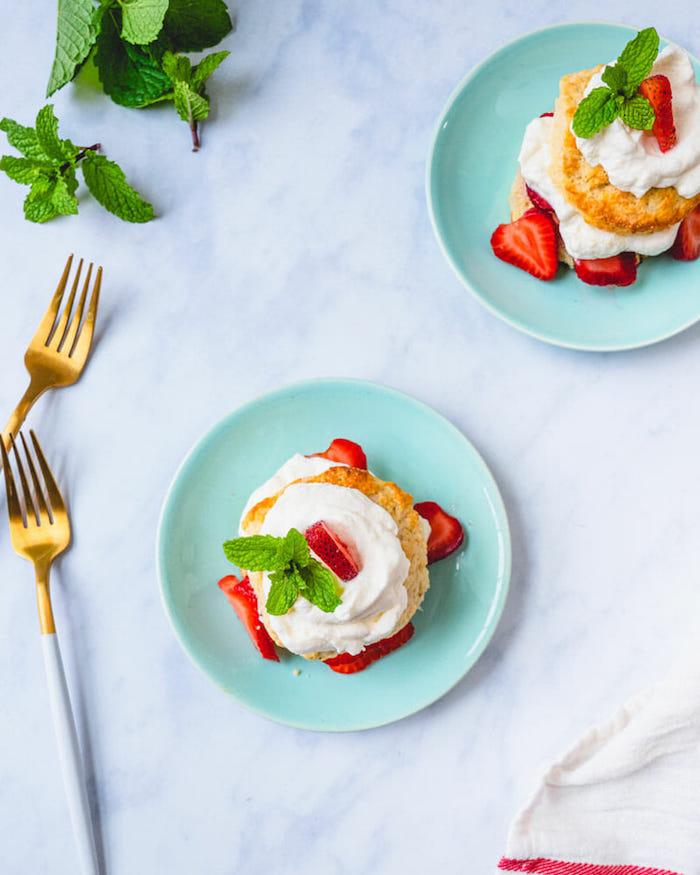 3 postres ricos y apetitosos ideas de recetas de postres de verano postre con nata y fresas ideas de recetas