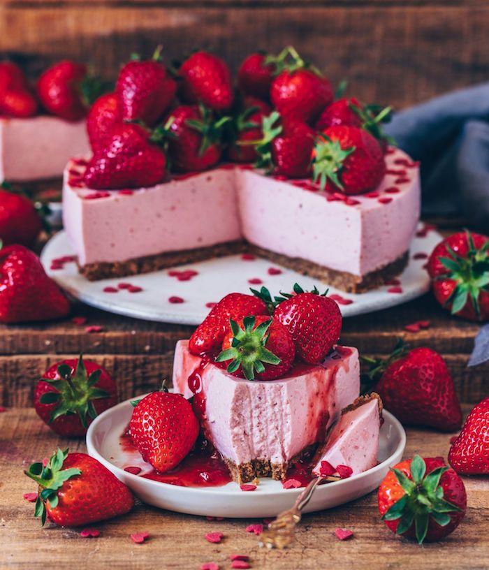a preparar una tarta de frutas casera postres faciles para impresionar tarta vegana de fresas