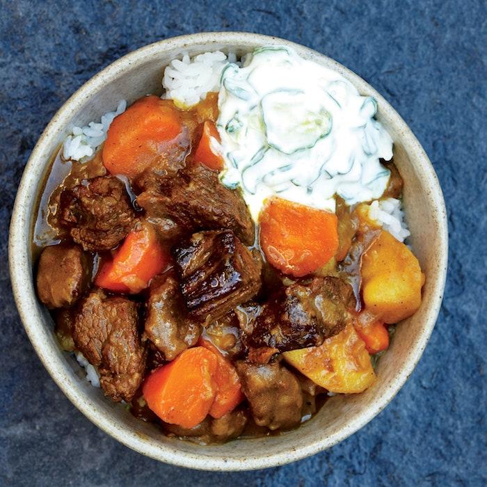 bol con ternera al curry y verduras patatas zanahorias pollo al curry receta ideas de recetas al curry