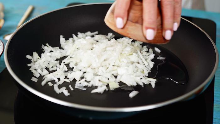 cebolla en una sarten ideas de recetas originales y saludables como hacer garbanzos al curry paso a paso receta de recetas con curry