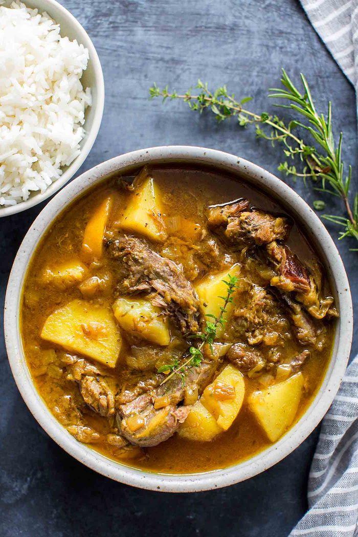 cordero al curry con papas y romero recetas ricas y apetitosas comidas con curry faciles y rapidas