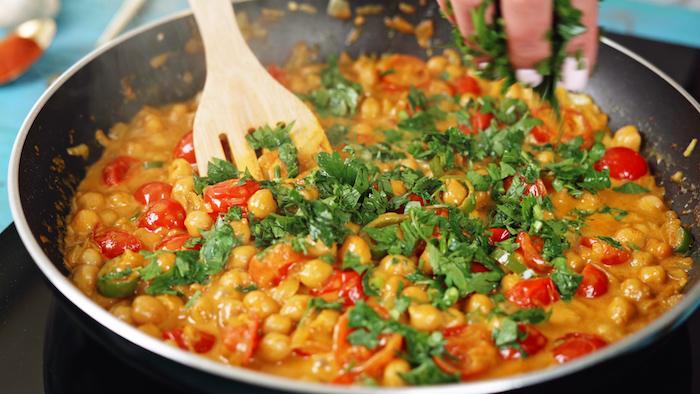ideas de recetas con curry paso a paso comidas con garbanzos perejil curry coco