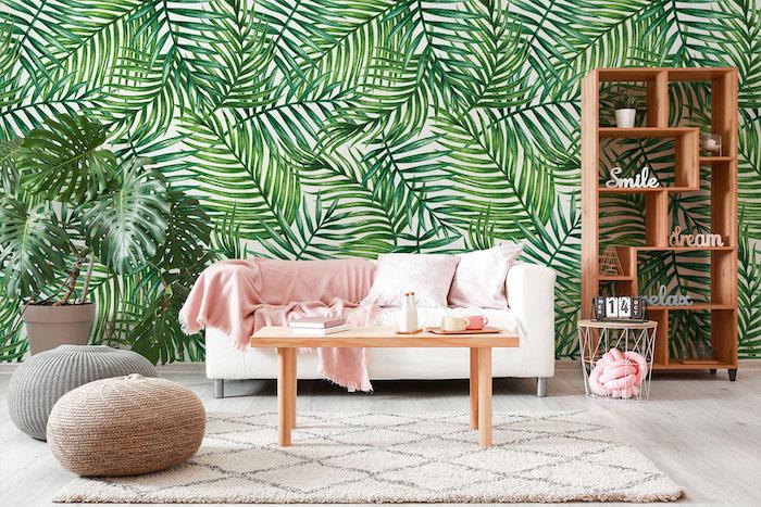 fotomural en la sala de estar con hojas de palma
