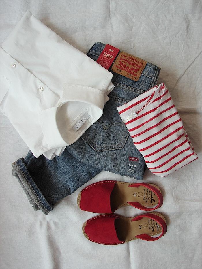 como combinar la ropa segun el colore de los zapatos
